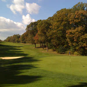 The 10th hole at Reston National
